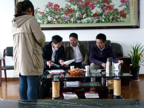日本客户来我公司考察并签订多台机组 公司新闻
