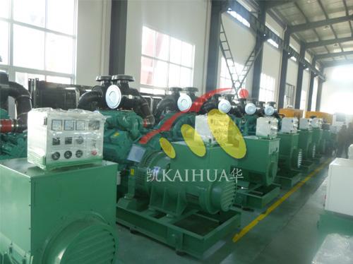 出口蒙古的5台600KW康明斯发电机组整装待发 发货现场