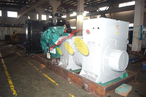 我公司1000KW高压康明斯发电机组开始组装生产