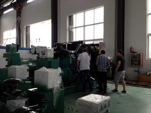 哈萨克斯坦客户来访我公司工厂订购多台发电机组 公司新闻 第2张