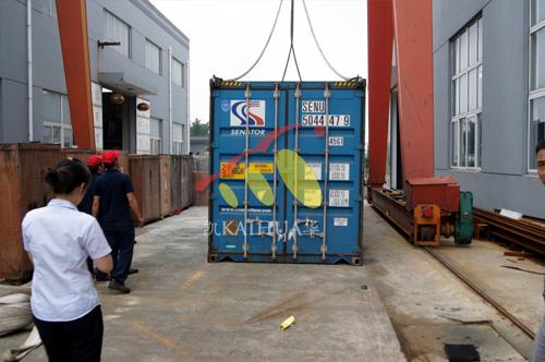 出口南非的两台沃尔沃柴油发电机组成功出厂 发货现场 第2张