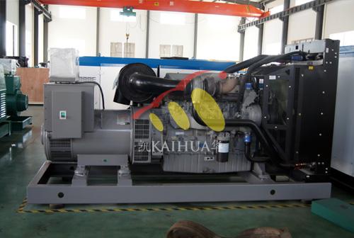 青海油田500KW珀金斯发电机组成功出厂 发货现场 第2张