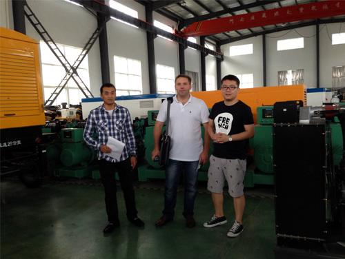 哈萨克斯坦客户来访我公司工厂订购多台发电机组 公司新闻 第1张