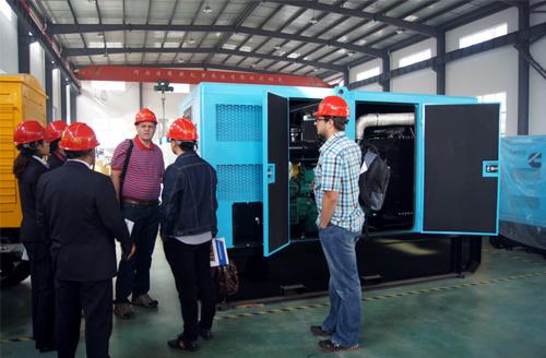 南非客户来访我公司工厂订购静音柴油发电机组 公司新闻 第1张