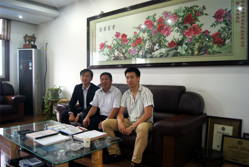 新加坡客户来访我公司工厂订购多台发电机组 公司新闻