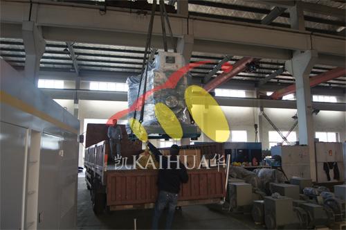 新疆路桥1台500KW沃尔沃发电机组今日成功出厂 发货现场 第2张