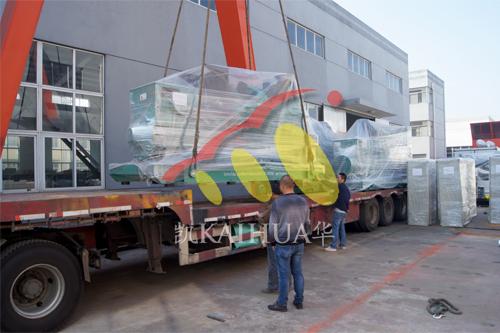 出口东南亚5台1500KW进口康明斯发电机组今日成功出厂 发货现场 第3张