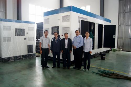 今日东南亚客户来工厂验收2台800KW康明斯机组 公司新闻 第1张