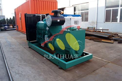 宜昌电气公司2台500KW康明斯机组今日成功出厂 发货现场 第2张