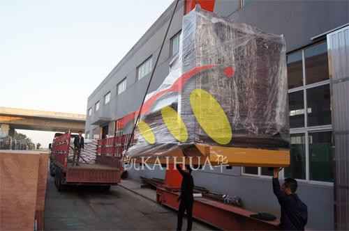 四川成都投资公司1台500KW上柴今日成功出厂 发货现场 第2张