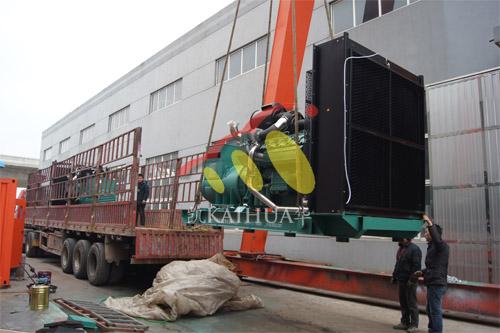 安徽亳州房地产3台800KW无动发电机组今日成功出厂 发货现场 第2张