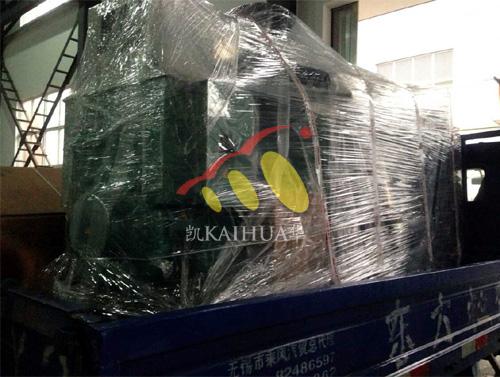 海南石化1台300KW康明斯机组今日成功出厂 发货现场 第3张