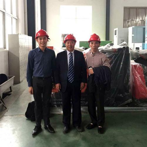 东南亚客户今日来我工厂实地考察 公司新闻