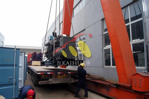 湖北船厂1台500KW玉柴船用发电机组今日成功出厂 发货现场 第2张
