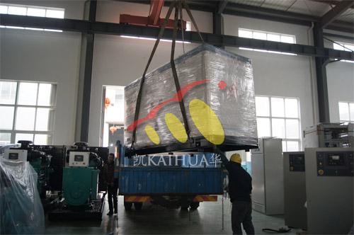 湖北水利水建1台200KW沃尔沃静音机组今日成功出厂 发货现场 第2张