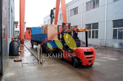 出口南亚4台康明斯发电机组今日成功出厂 发货现场 第2张