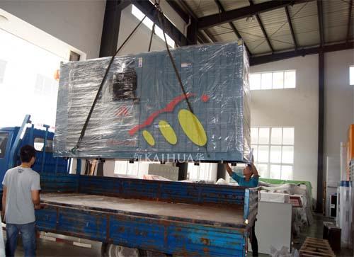 四川中海油一台200KW康明斯静音机组今日成功出厂 发货现场 第3张