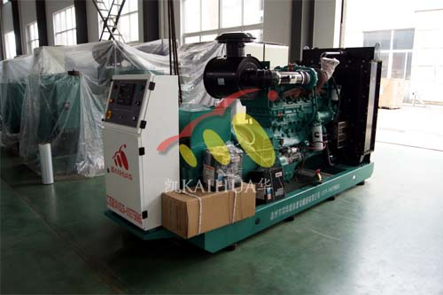 云南普洱油业1台250KW康明斯ATS柴油发电机组今日成功出厂 发货现场 第1张