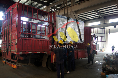 山东2台康明斯静音发电机组今日成功出厂 发货现场 第2张