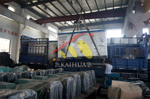 中铁集团2台160KW康明斯静音机组今日成功出厂 发货现场 第2张