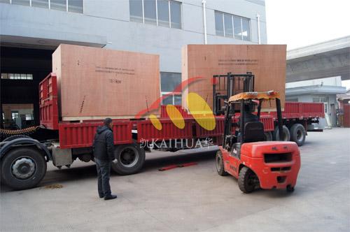 出口南亚2台100KW康明斯静音机组今日成功出厂 发货现场 第2张