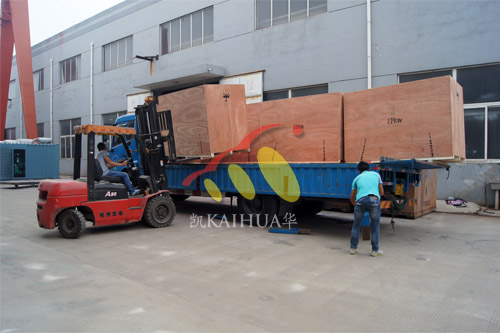 出口南美7台康明斯静音机组今日成功出厂 发货现场 第3张