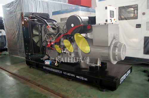 安徽1台珀金斯发电机组今日成功出厂 发货现场 第1张