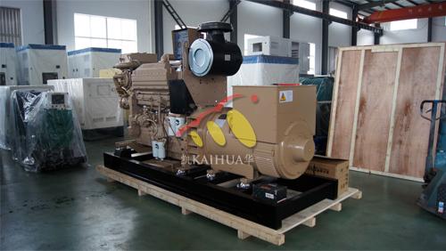 香港1台400KW康明斯船用发电机组今日成功出厂 发货现场