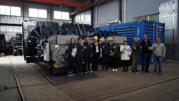 印尼客户来访验收两台2000KW高压发电机组