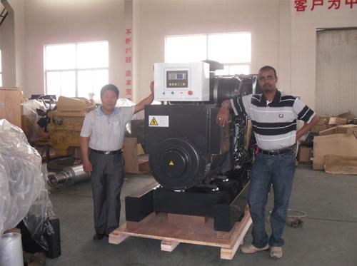 公司与迪拜友人签订的多台依维柯机组成功出厂 发货现场 第1张