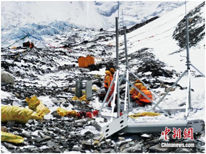 珠峰5G信号测试:5台柴油发电机组在6500米前进营地提供电力保障 行业动态 第1张