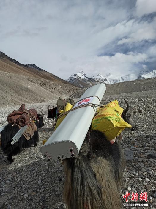 珠峰5G信号测试:5台柴油发电机组在6500米前进营地提供电力保障 行业动态 第2张