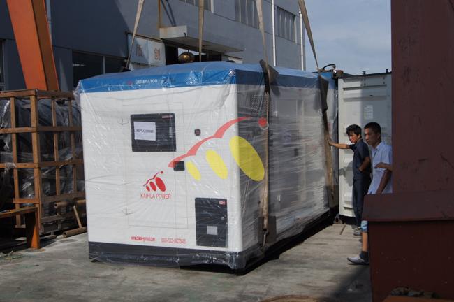 400KW康明斯静音机组发往非洲莫桑比克 发货现场 第1张