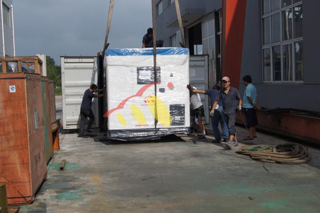 400KW康明斯静音机组发往非洲莫桑比克 发货现场 第2张