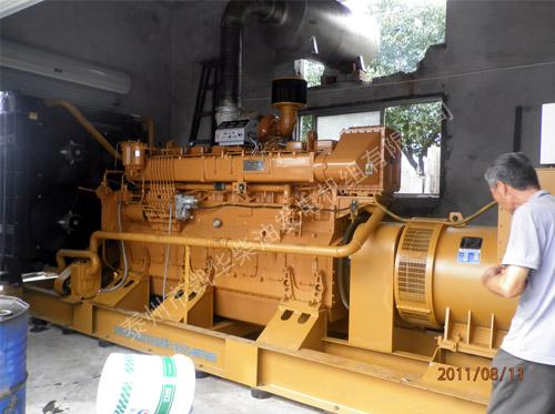 苏州外企600KW济柴发电机组成功安装就位 国内案例 第2张