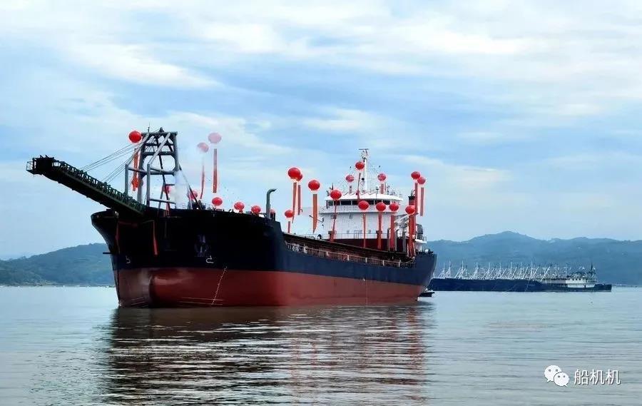 玉柴3000马力双主机万吨级工程船顺利下水 行业动态 第1张